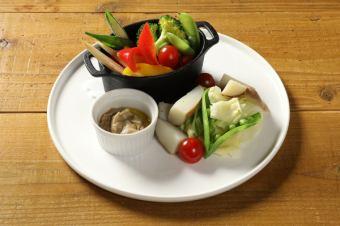 溫暖的蔬菜Bagna馬尾