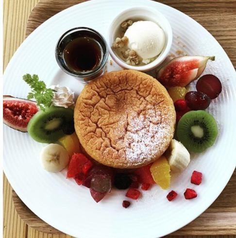 アフロスペシャルパンケーキ!しっとりふわっふわのパンケーキは当店オリジナル。