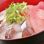 海鮮丼(さーもん/まぐろ)/炙りサーモン丼