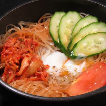 Spicy cold noodles
