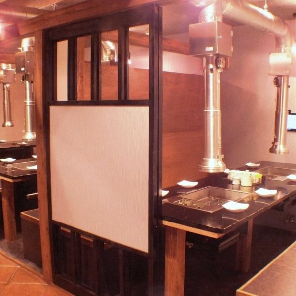 There are 3 rooms on the 1st floor, 5 rooms on the 2nd floor, 3 private rooms on the 3rd floor ★ You can relax and enjoy grilled meat without care about the surroundings!