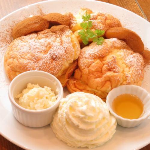 カラメルリンゴ&シナモンパンケーキ