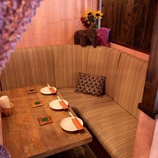 完成私人房间私人房间可供3人♪这是一个沙发座椅