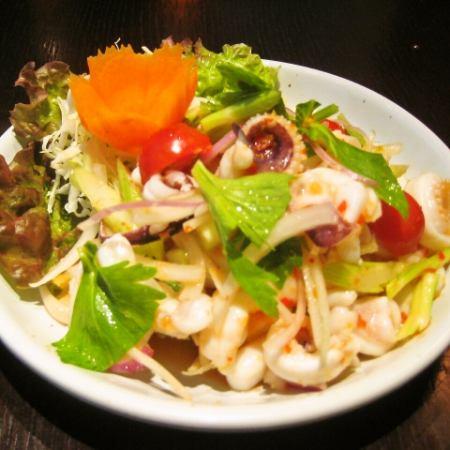 Yum · Plamook (Squid salad)