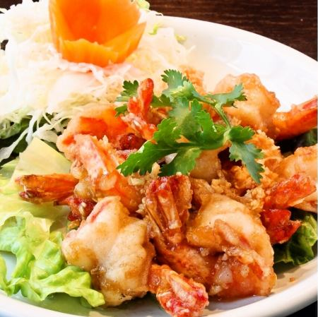 Kung Gatiam (fried shrimp with garlic flavor)