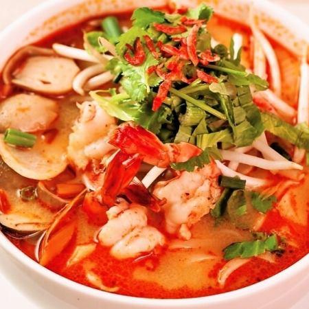 Kuttio · Tom · Yam (Thai-style juice soba / Tom yam soup)