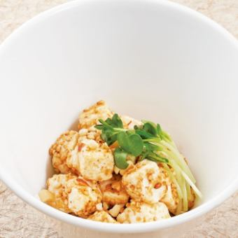 생선회 오징어 어부 절임 / 냉 토마토 / たこわさび / 크림 치즈와 견과류의 참깨 무침