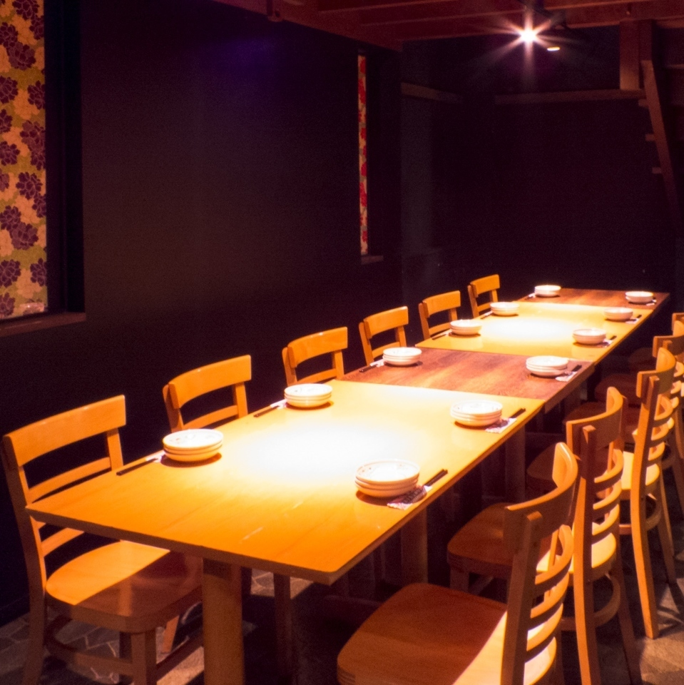 【1st Floor Floor】 You can connect like this to accommodate a large number of banquets and meals (12 people, 18 people, 24 people etc) ★ Please feel free to contact us!