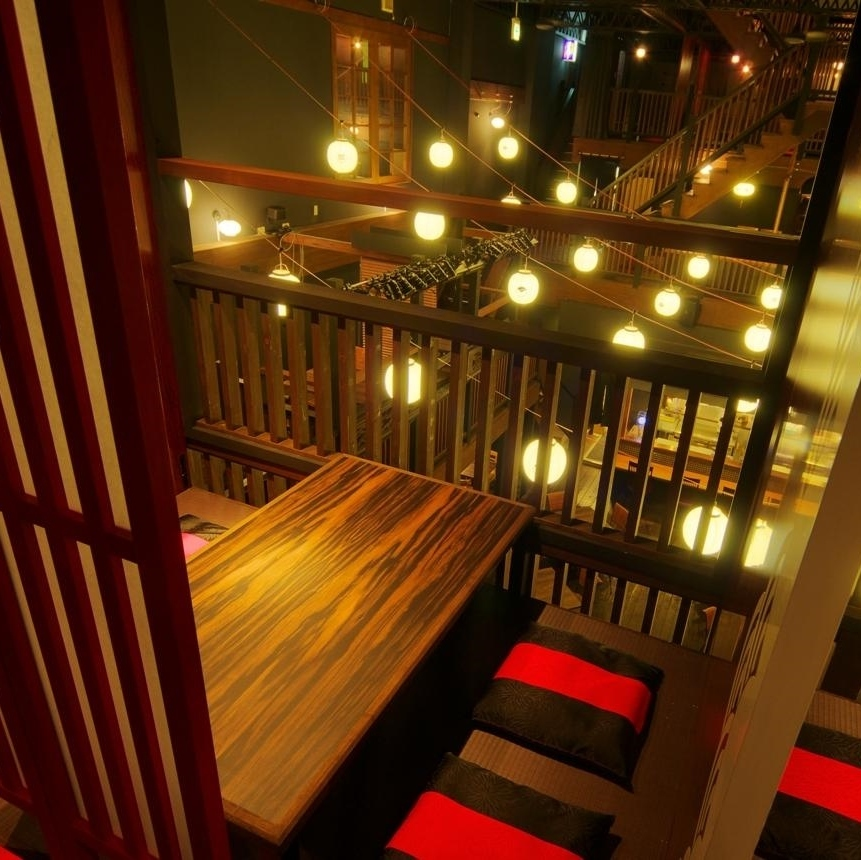 【2nd Floor Floor】 Overlook Downstairs, atmosphere ◎ In addition, half room in the room: 4 people × 3 rooms.