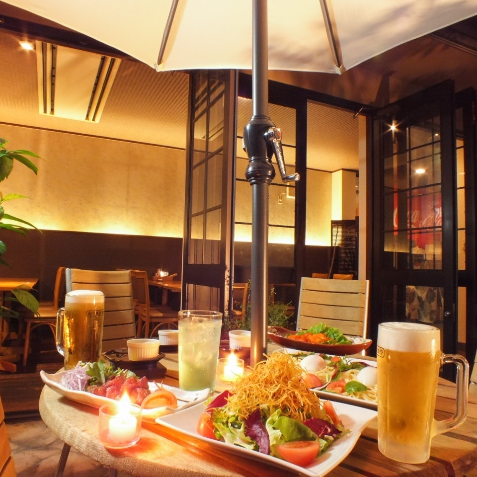 """【3rd floor terrace seat】 Western-style terrace seat """"Beer garden"""" too! 4 people x 6 tables only ★"""