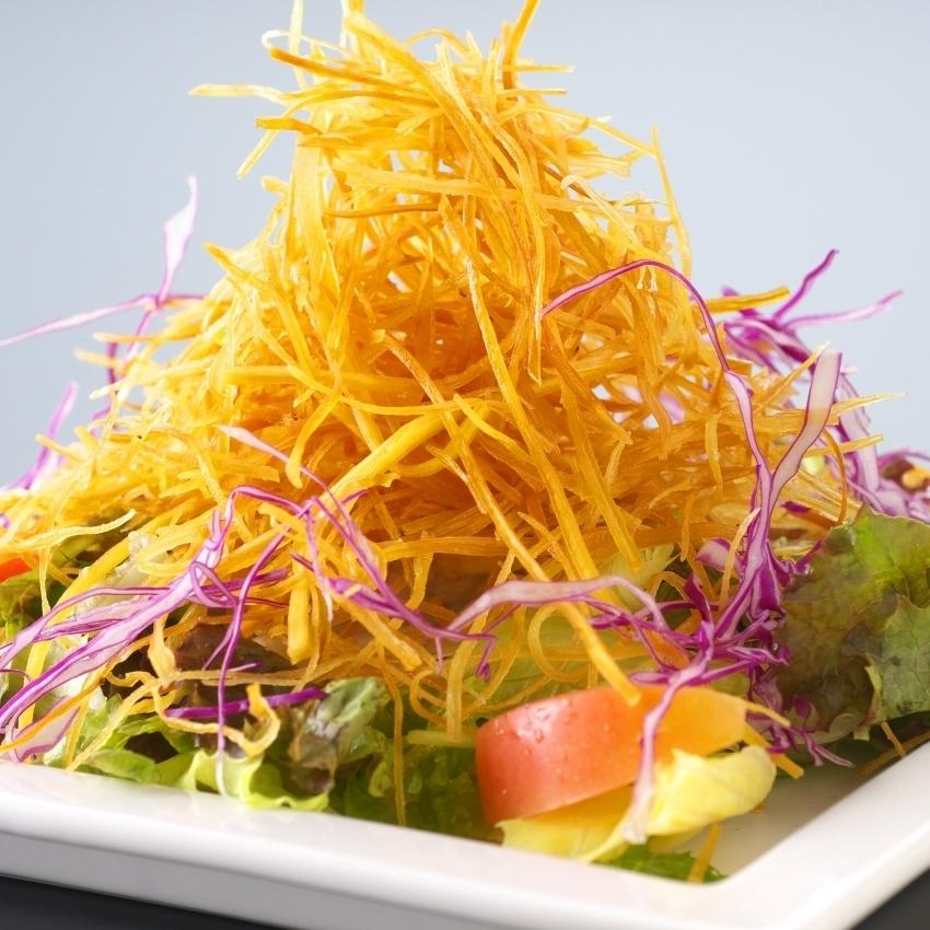 宴會廳鹽漬海鮮/土佐金色金色沙拉