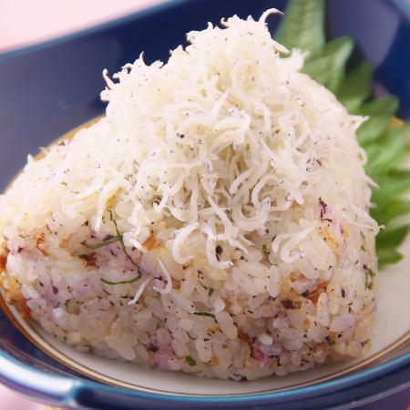 飯糰/銀魚湯圓
