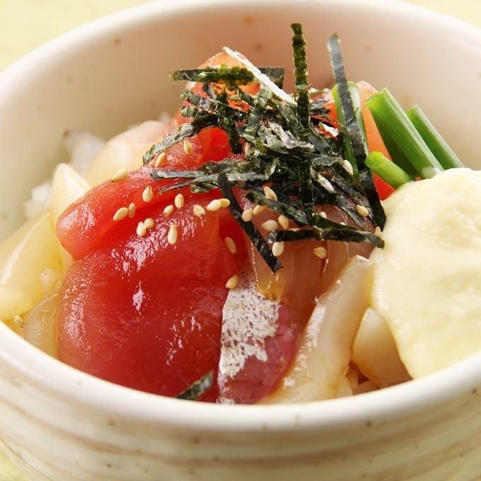 鰹づけ丼/海鮮マヨ丼