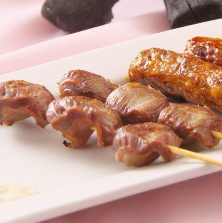 レバー串焼き(塩・タレ)/砂肝串焼き