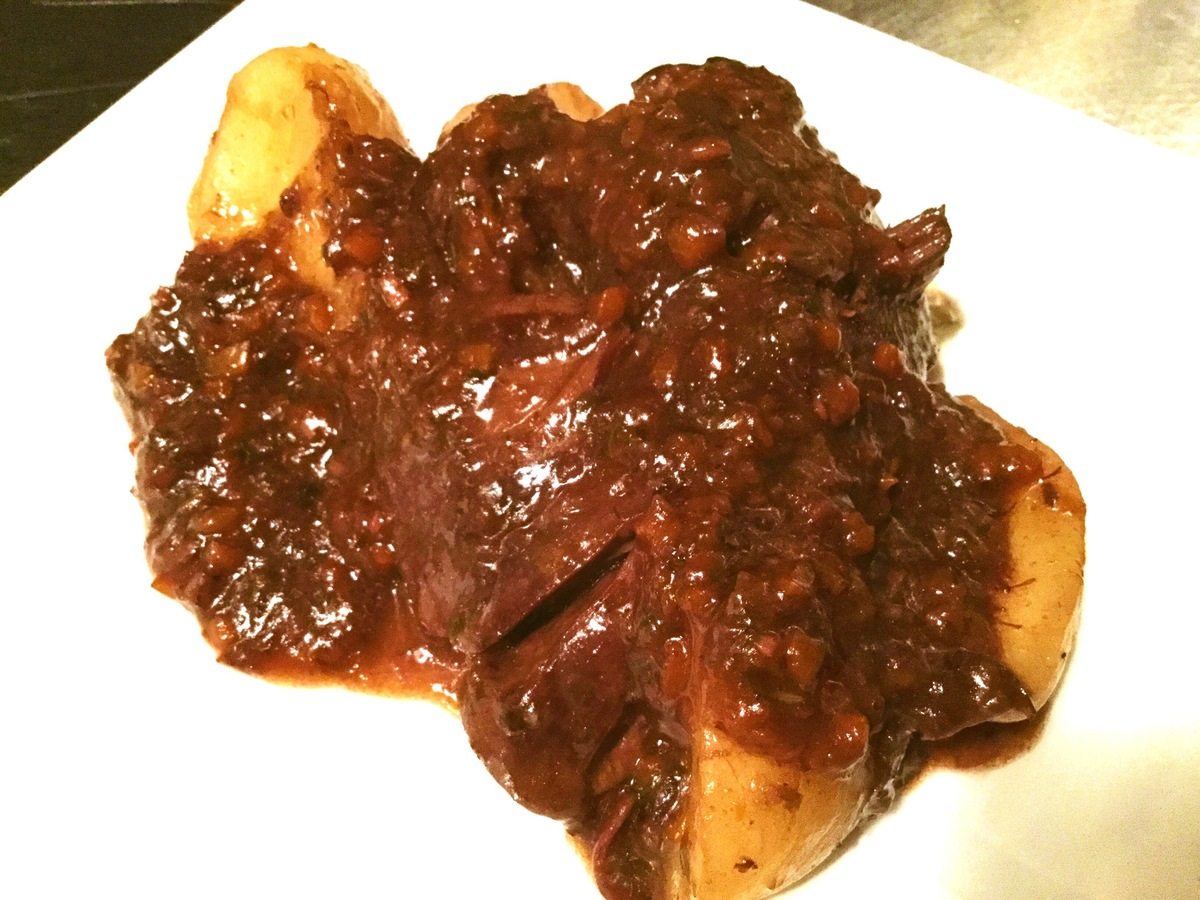 Italian family-style red wine simmered meat from the Souya shrine