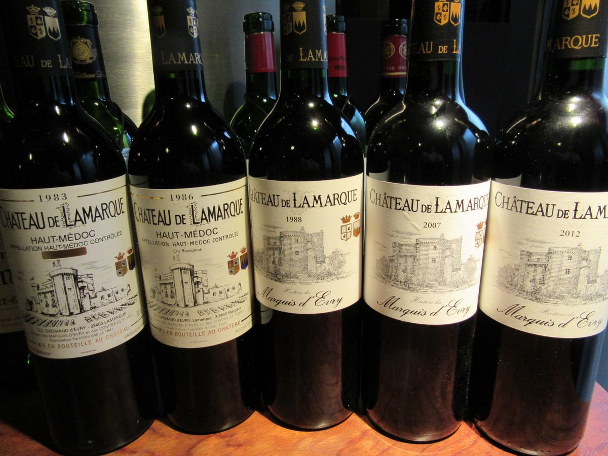 Tastings also held at irregular intervals.(A vertical tasting wine of the day)