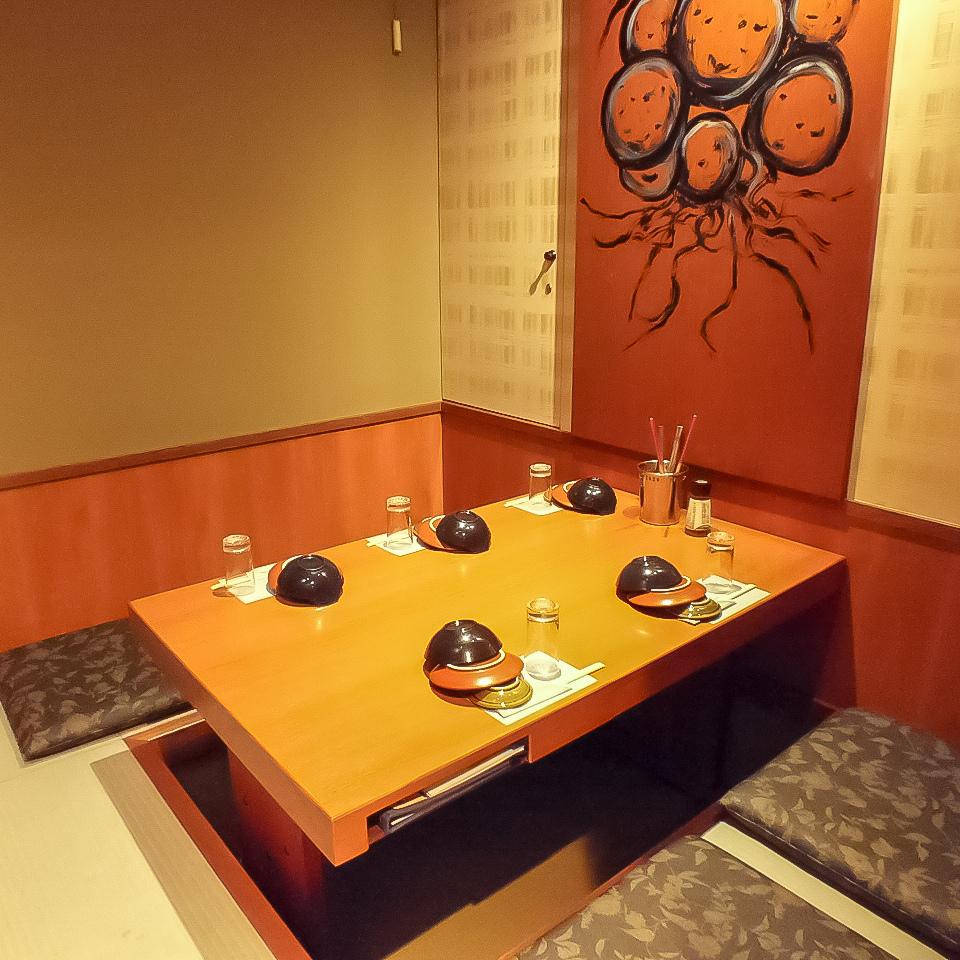 おこもり感抜群の個室!雰囲気の良い個室はデートにも最適です。