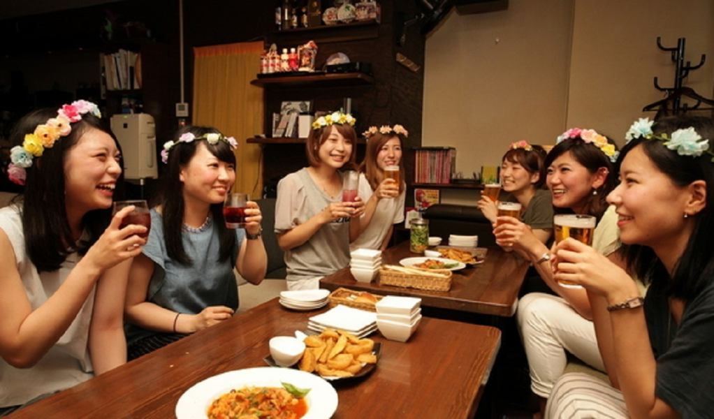 For more than one person, go to the sofa seat.If it is a girls' party plan, you can also borrow corolla ♪