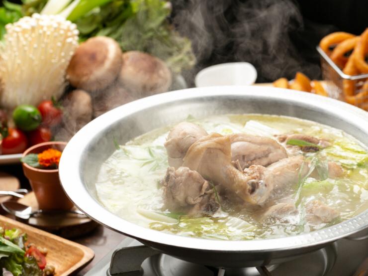 Hakata fried chicken cooking pot course