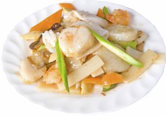 Stir-fried three seafood