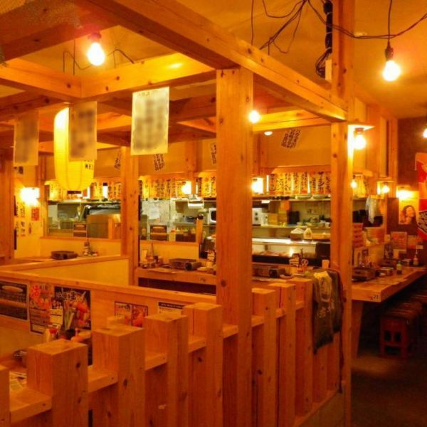 【柔和温暖】在光明J-POP流动的明亮商店。还添加店主的快乐溢出的东西,让客人在更明亮的氛围中感到快乐♪让我们在商店里一起享受乐趣,在那里你可以充分感受到木材的温暖!