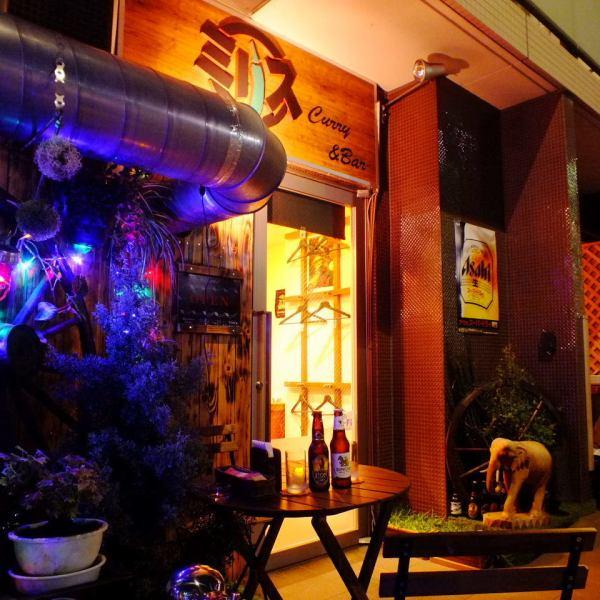 【テラス席×エスニック酒場】外の空気を楽しみながら、ビールやエスニック料理楽しむ、エスニック酒場ミリスならでは時間をお楽しみください