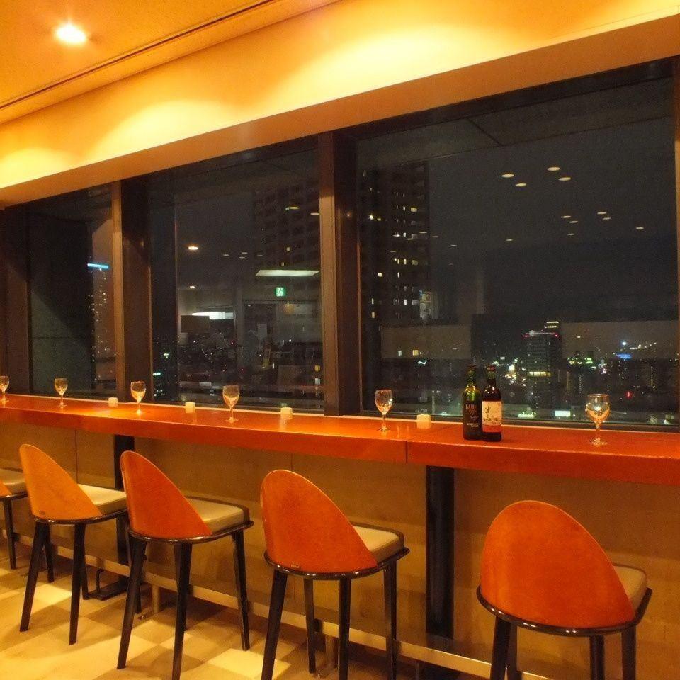 神戸の街を一望できる絶景スポット!!最大70名様までの貸切パーティーもOKです☆★