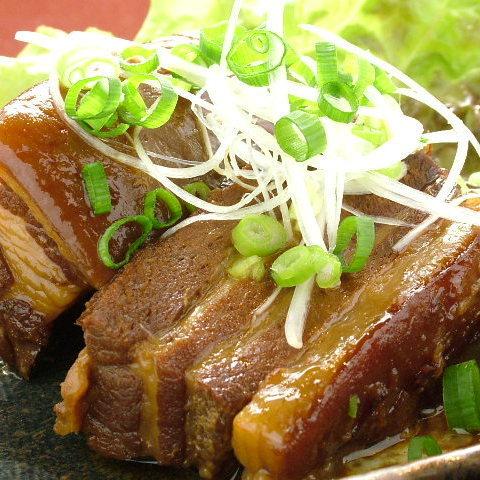 ラフティー(豚バラ皮付きの角煮)