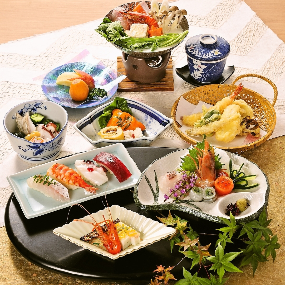 Fulfilling banquet course.Party cuisine and various hot pot dishes are available.