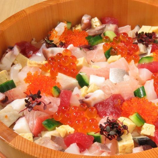 三陸の旬の食材を贅沢に♪海鮮宝石ひつまぶし