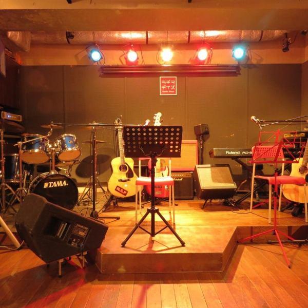 商店內的工具也可以出租。(音樂費另外需要1000日元)內容··鼓,貝司,原聲吉他,電吉他,電子鋼琴等!