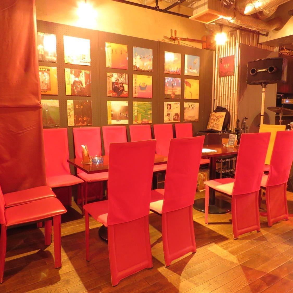 您可以在宽敞的座位上享用您的菜肴和清酒。可用于2,4,6或更多场景◎