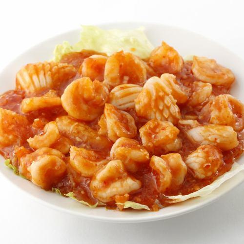 二種海鮮のチリソース煮/三種海鮮の炒め