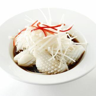 イカと季節野菜の炒め/イカの特製ネギソースかけ