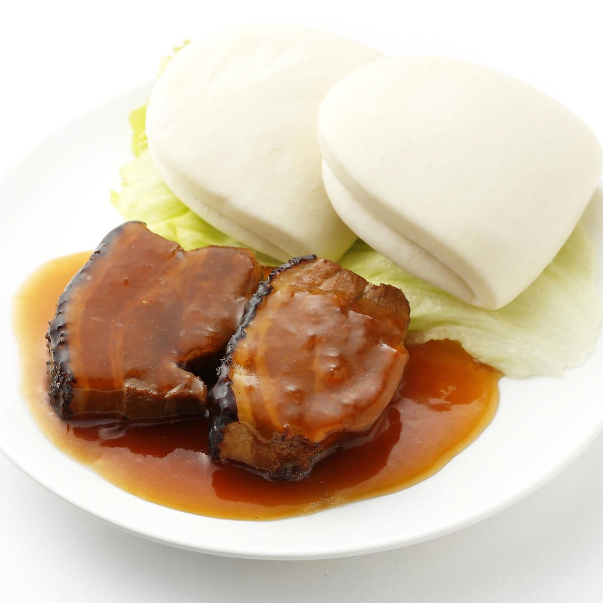 豚バラ肉の角煮(蒸しパン付)/豚肉とピーマン炒め