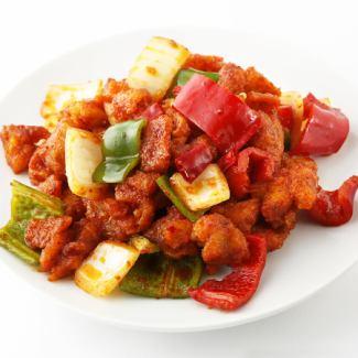 鶏肉の中華味噌炒め/鶏肉の辛炒め