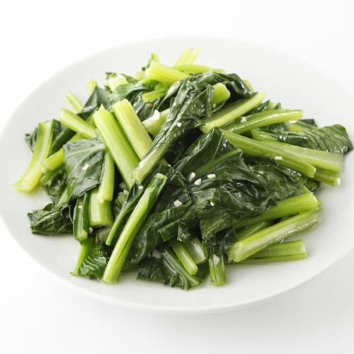 青菜とシメジの炒め/小松菜のニンニク炒め/キクラゲとニラもやし炒め