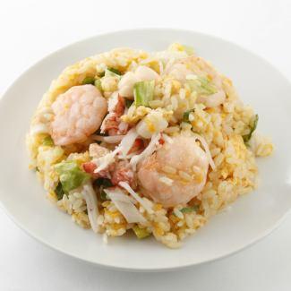 海鮮チャーハン/高菜チャーハン/角煮丼/中華丼