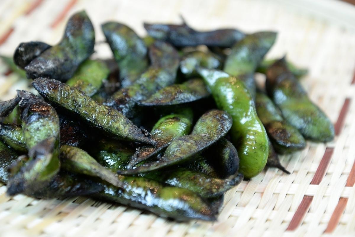 炭焼き燻し茶豆