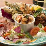ヴォメロ風海の幸と山の恵み前菜盛り合わせ