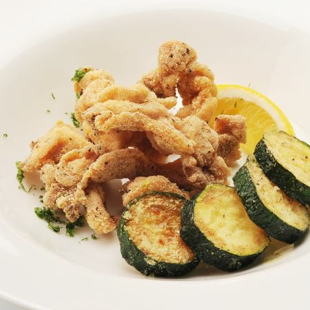 Young chicken and zucchini frit