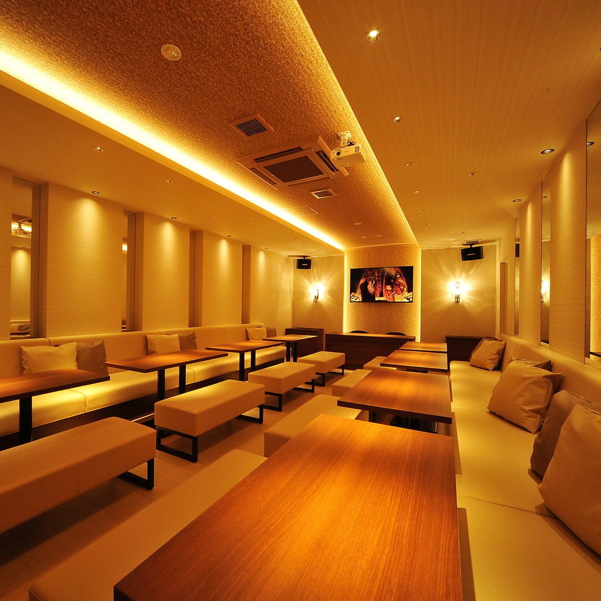 【宴會廳】這是一個優雅的氛圍,基於派對室/象牙,最多可容納32位客人。最適合婚禮第二方等。