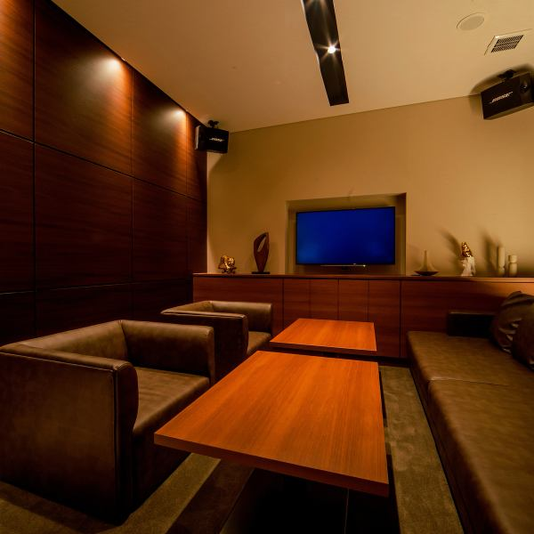 """【Space like a resort hotel with elegant and modern blend】 We offer """"Adults only relaxing adults playground"""" in Barrele (meaning: value).You can enjoy the latest karaoke and authentic Italian cuisine in a space like elegant and modern, spacious, like a resort hotel.The luxury VIP room with WC is limited to 2 rooms only."""