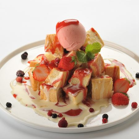 Tower Toast / Strawberry