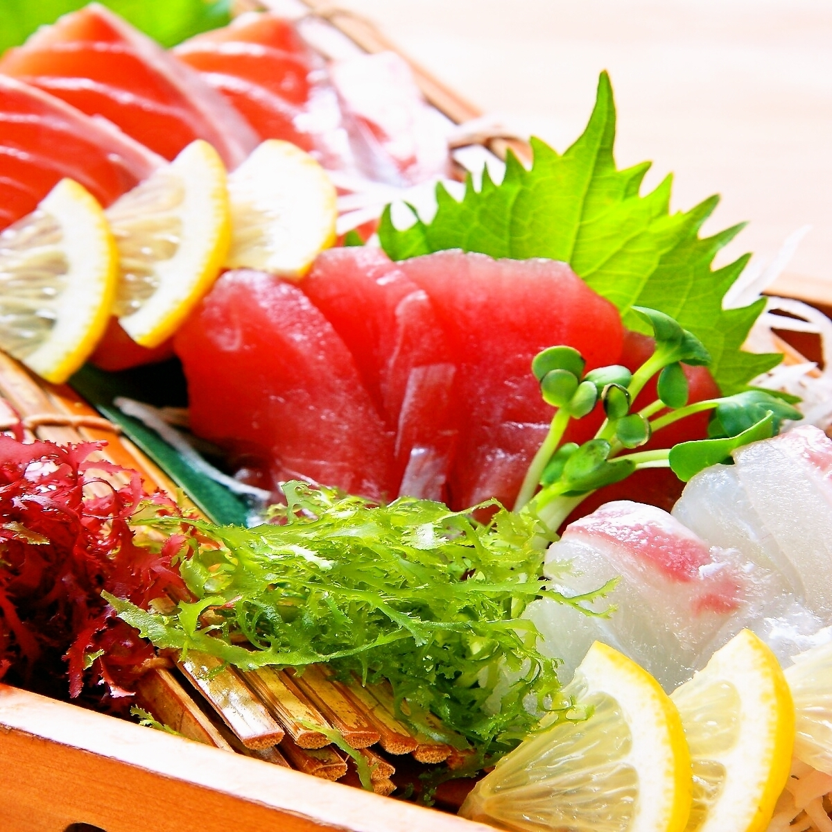 Assorted sashimi (3 varieties)