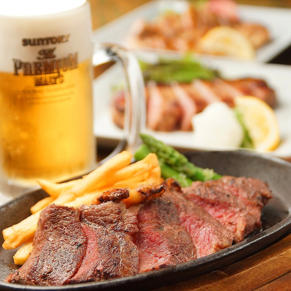 【Shinsaibashi Station soon】 All you can eat and drink beef steak 2700 yen