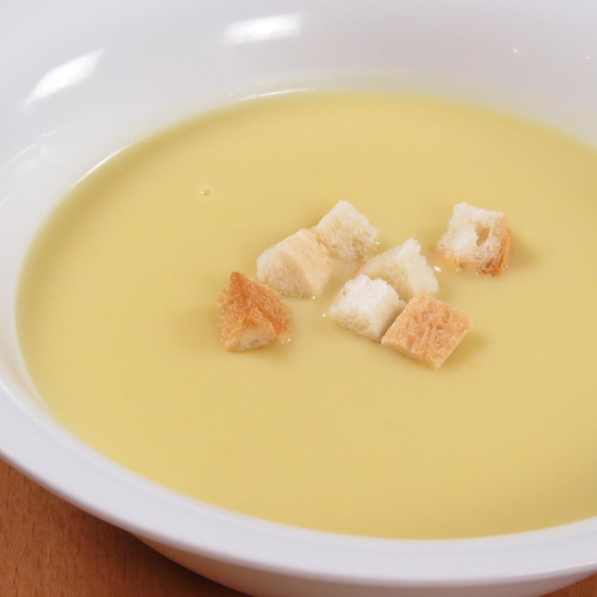 サツマイモととうもろこしのスープ