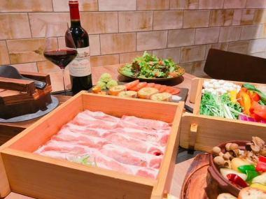 【在線預訂有限公司!用煙花喝120分鐘】蒸王豬肉牛排套餐(包括甜點在內的8種)6000→5000日元