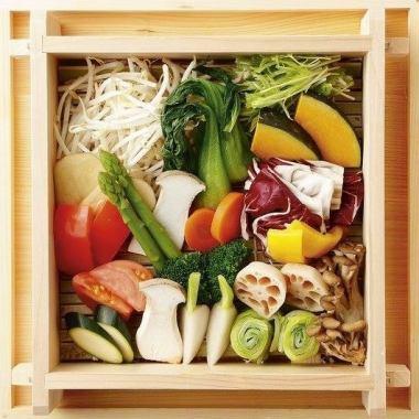 【中午女子協會】午餐有限公司♪蒸金豬肉和蔬菜土豆!午餐套餐5件套+飲料1980日元!