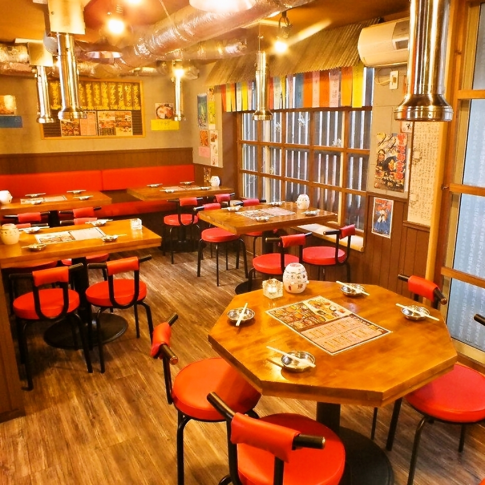 【One Floor Reservation OK】 Weekdays Monday - Thursday If you book 30 people, we will reserve the second floor seat one floor !! You can bring your favorite DVD with you! A company banquet is also welcome!
